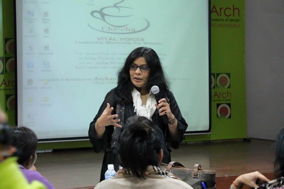 Archana Surana speaks to mentors during orientation session
